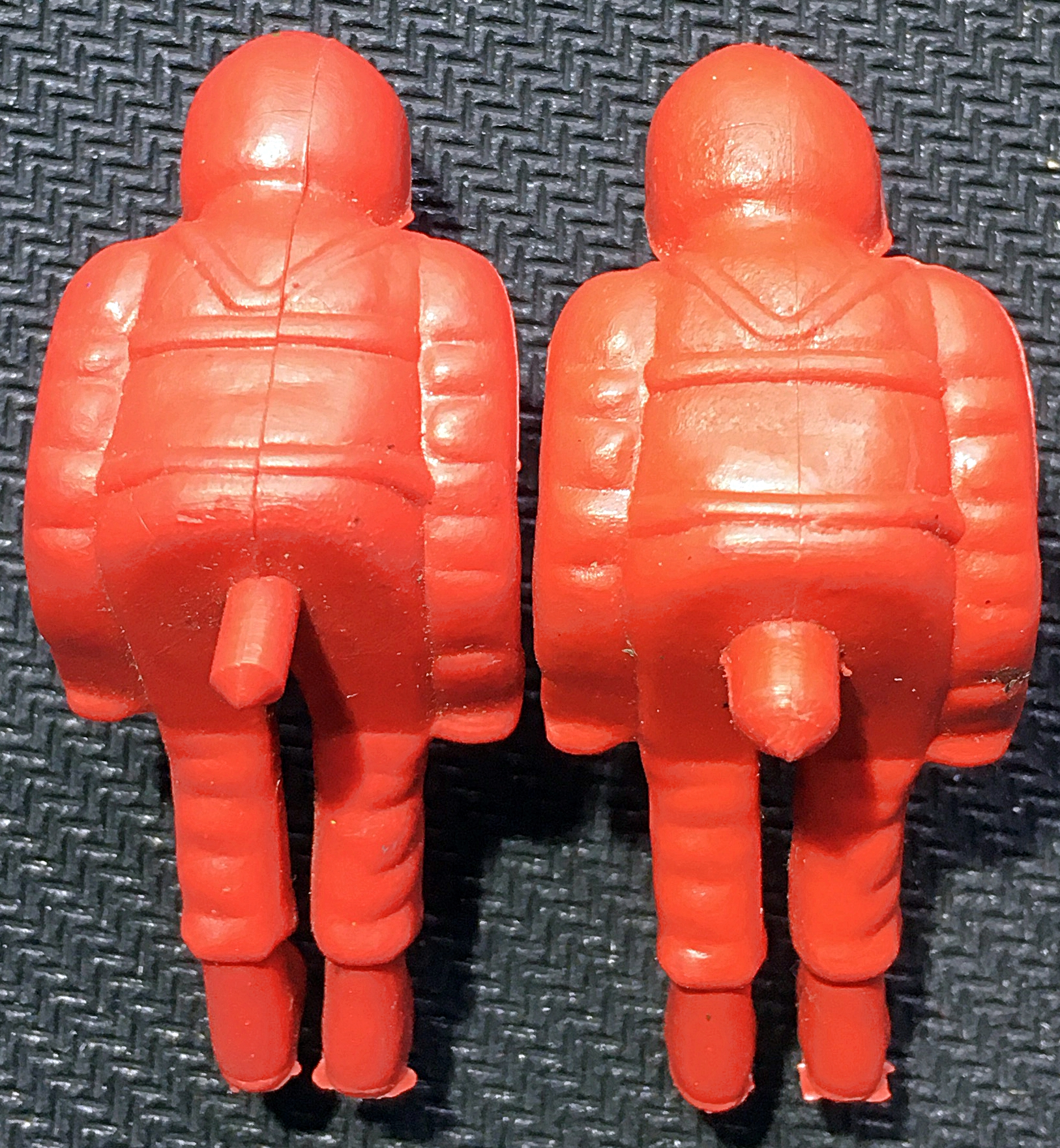 red-spacemen-2xlugs-back-1